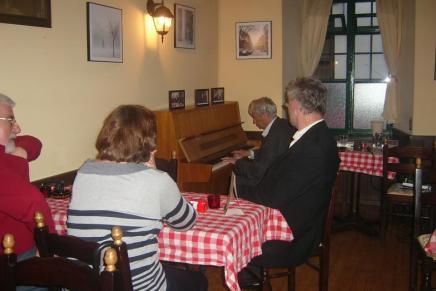Kako je Predrag Matvejvić svirao klavir na Gornjogradskom talk showu minulejeseni