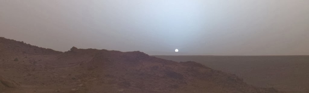sunset-on-mars-taken-in-2005-by-the-spirit-rover