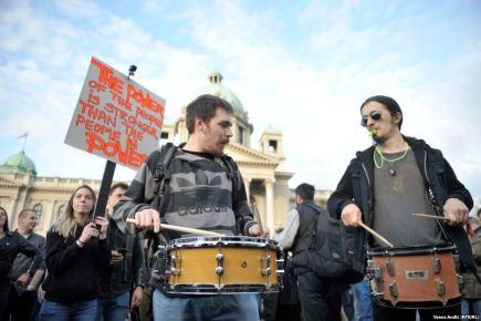 Beograd – Poruka protesta zbog izbornih rezultata: Nećemodiktaturu!