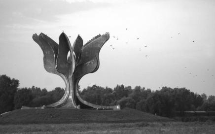 Puhovski: Hrvatska je trebala organizirati izložbu oJasenovcu