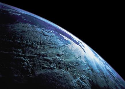 Mirna Weber: Zemlja pjeva kaožena