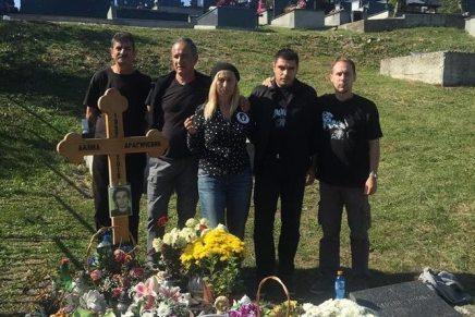 Stefan Simić: Na grobu DavidaDragičevića