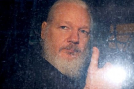 Julian Assange je razapeti svjedok sumrakacivilizacije