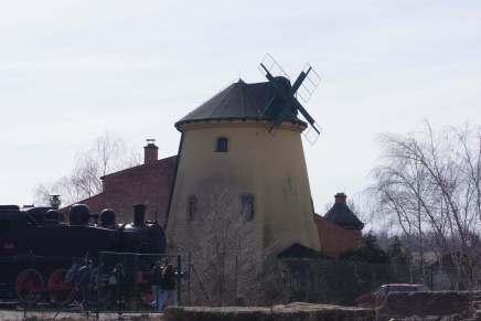 Bosiljko Domazet: B.A.D.E.M. ili putovanje u Pančevo i povratak kroz SremskeKarlovce