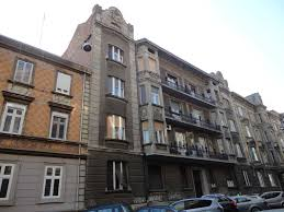 Umjetnički dijelovi povijesnih zgrada zagrebačkog centra na otpaduJakuševac